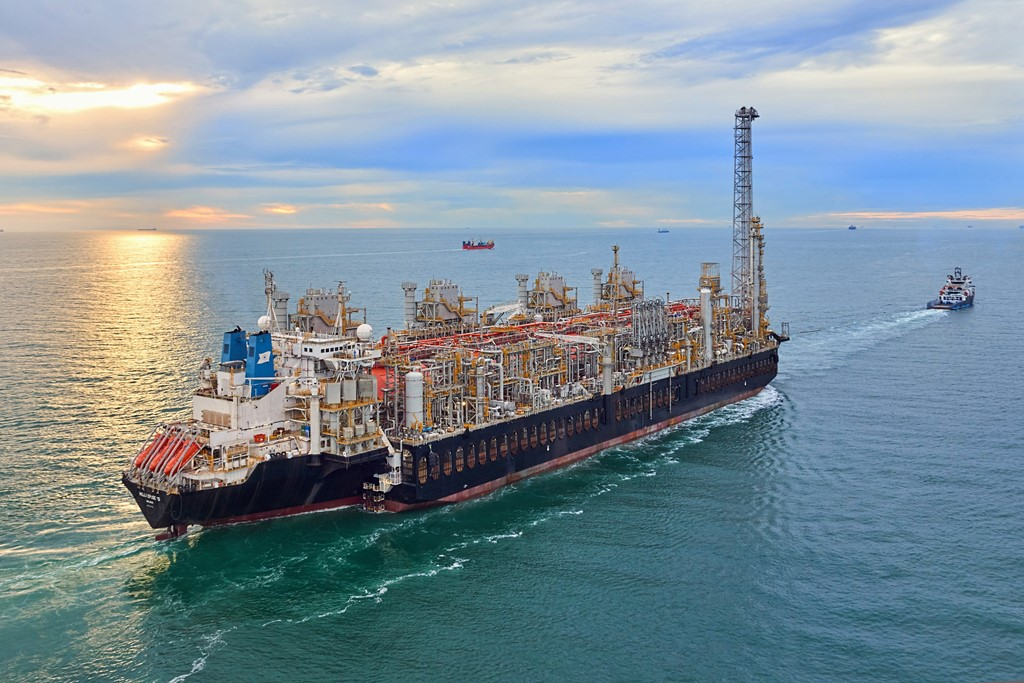 ALP Striker towing Hilli FLNG from Singapore to North Sea