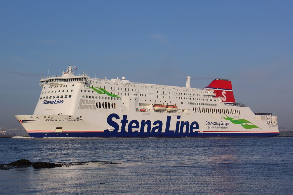 Stena_Hollandica-green-flag